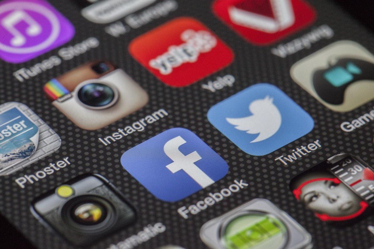 Social Media na stronie internetowej. Jak to ogarnąć?