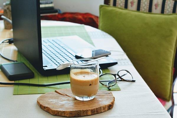 Jak zacząć pracować z domu: niżki na narzędzia dla freelancerów i samozatrudnionych: kontakt z klientem