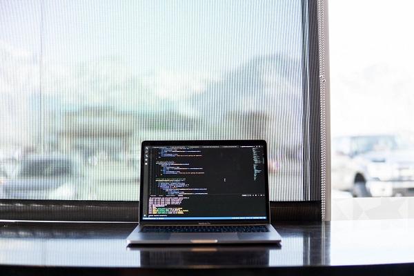 Zintegrowane środowiska programistyczne dla wielu języków - jak zostać freelancerem